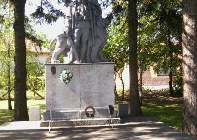 Tornyospálca világháborús emlékmű 2014.05.28. küldő-Eszterhai Zsuzsa