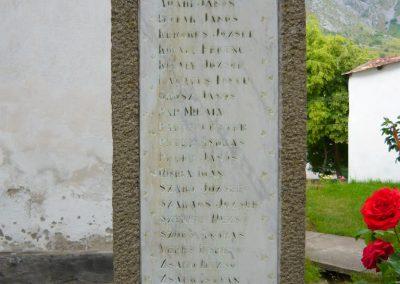 Torockó világháborús emlékmű 2011.06.19. küldő-Sümec (10)