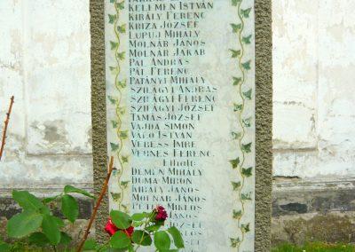 Torockó világháborús emlékmű 2011.06.19. küldő-Sümec (3)