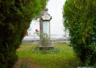 Torockó világháborús emlékmű 2011.06.19. küldő-Sümec
