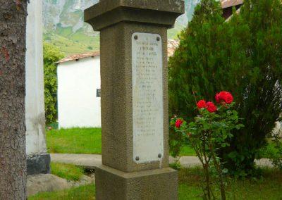 Torockó világháborús emlékmű 2011.06.19. küldő-Sümec (8)