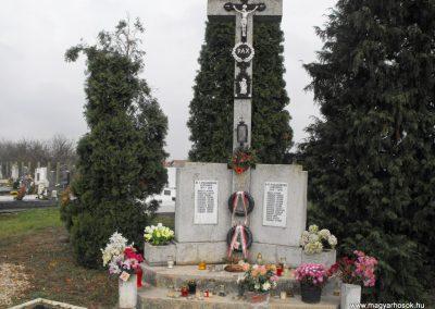 Torony világháborús emlékmű 2014.11.18. küldő-gyurkusz (4)