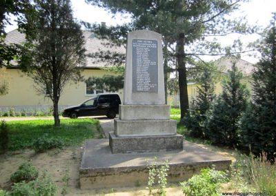 Tunyogmatolcs - Matolcs világháborús emlékmű 2014.08.04. küldő-kalyhas (1)