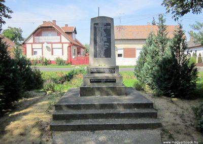 Tunyogmatolcs - Matolcs világháborús emlékmű 2014.08.04. küldő-kalyhas (8)