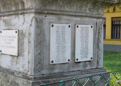 Tura I.vh emlékmű 2009.04.10. küldő-kalyhas (4)
