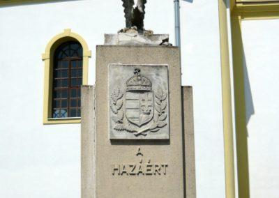 Tuzsér világháborús emlékmű 2010.04.24. küldő-Ágca (1)