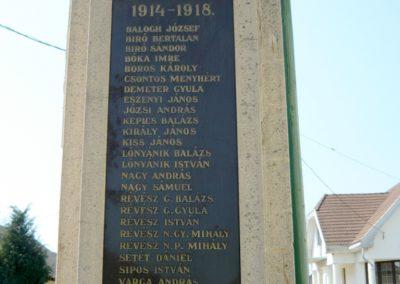 Tuzsér világháborús emlékmű 2010.04.24. küldő-Ágca (3)