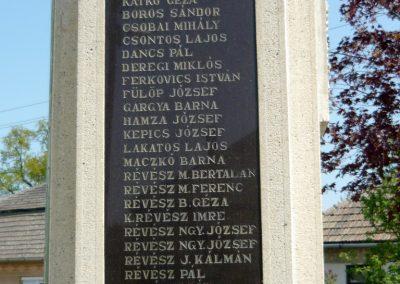 Tuzsér világháborús emlékmű 2010.04.24. küldő-Ágca (6)