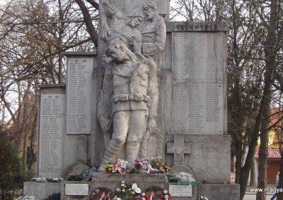 Udvard világháborús emlékmű 2010.03.10. küldő-Felvidéki betyár (1)