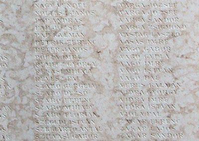 Ujszász I.vh emléktábla a rk.templom falán 2006.05.24. küldő-Pfaff László,Rétság (4)