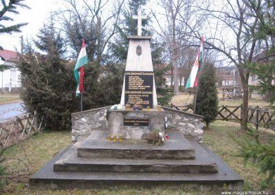 Uppony világháborús emlékmű 2008.03.02.küldő-Kályhás (1)