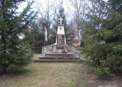 Uppony világháborús emlékmű 2008.03.02.küldő-Kályhás
