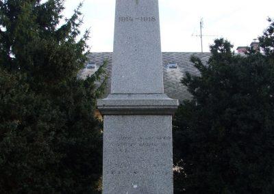 Uszód I.vh emlékmű 2007.10.18.küldő-Markó Péter (1)