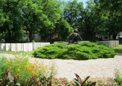 Vác II. világháborús emlékmű 2014.07.19. küldő-Emese