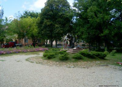 Vác II.vh emlékmű 2008.08.04.küldő-Prong