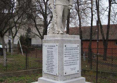 Vácegres világháborús emlékmű 2009.02.10. küldő-kalyhas (3)