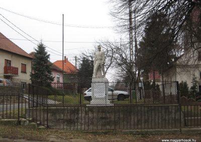 Vácegres világháborús emlékmű 2009.02.10. küldő-kalyhas