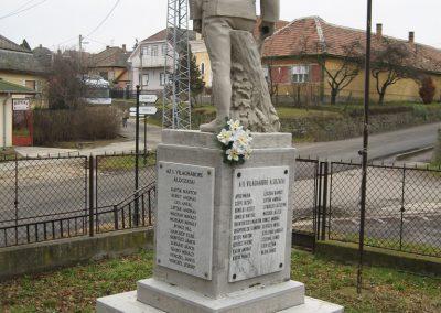 Vácegres világháborús emlékmű 2009.02.10. küldő-kalyhas (5)