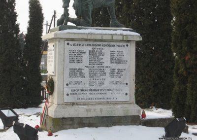 Vácszentlászló Hősi emlékmű 2010.01.26. küldő-kalyhas (8)