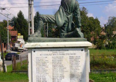 Vácszentlászló hősi emlékmű 2014.09.18. küldő-Sümegi Csaba (2)