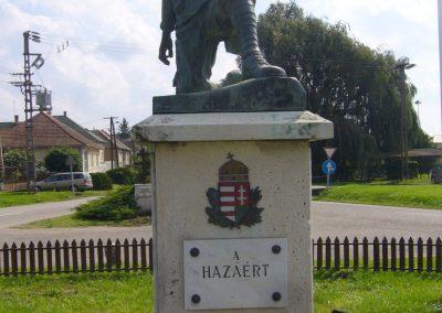 Vácszentlászló hősi emlékmű 2014.09.18. küldő-Sümegi Csaba