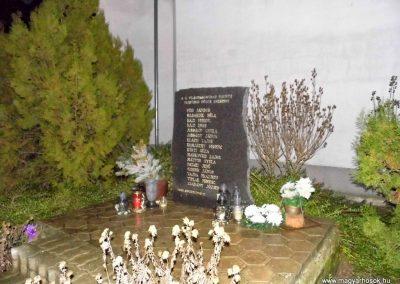 Vágfüzes II. világháborús emlékmű 2014.03.16. küldő-Méri (3)