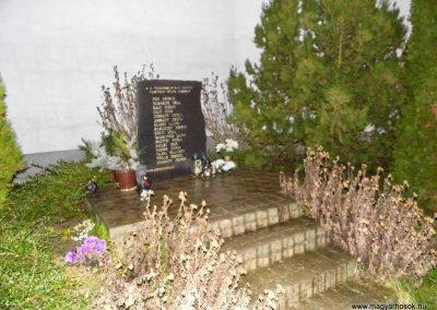 Vágfüzes II. világháborús emlékmű 2014.03.16. küldő-Méri