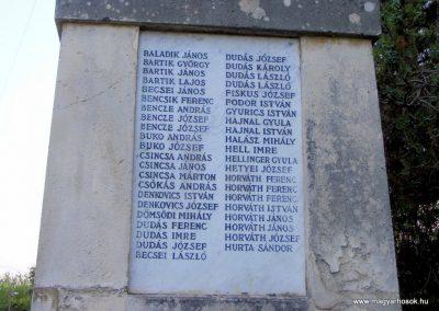 Vál I.világháborús emlékmű 2012.06.23. küldő-Méri (3)