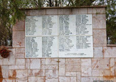 Vál II. világháborús emlékmű 2015.04.06. küldő-Méri (1)