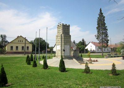 Vállaj világháborús emlékmű 2014.08.04. küldő-kalyhas (8)