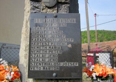 Vállus II. világháborús emlékmű 2014.04.13. küldő-Sümegi Andrea (3)
