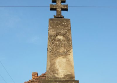 Vámosújfalu világháborús emlékmű 2009.05.09.küldő-Ágca (2)