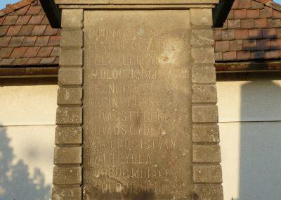 Vámosújfalu világháborús emlékmű 2009.05.09.küldő-Ágca (3)