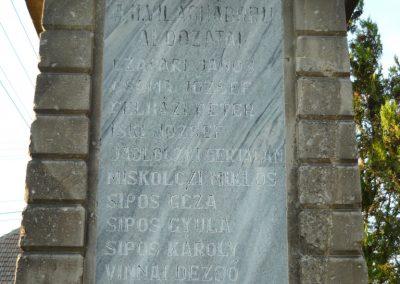 Vámosújfalu világháborús emlékmű 2009.05.09.küldő-Ágca (4)
