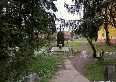 Vámosmikola világháborús emlékmű 2013.03.18. küldő-kalyhas