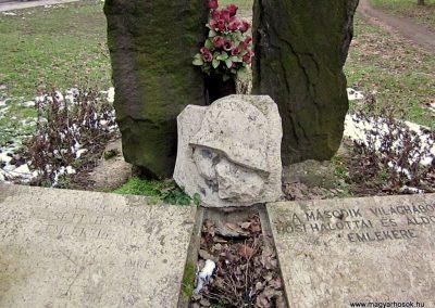 Vámosmikola világháborús emlékmű 2013.03.18. küldő-kalyhas (5)