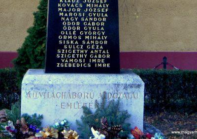 Vámosszabadi II.Vh.emlékmű 2006.11.07. küldő-Hege (3)
