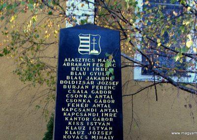 Vámosszabadi II.Vh.emlékmű 2006.11.07. küldő-Hege(2)