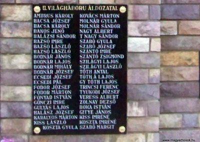 Váncsod világháborús emlékmű 2010.08.20. küldő-TÜNCI (5)