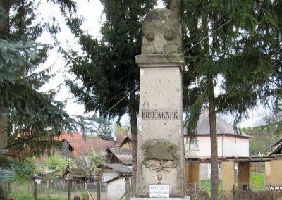 Váraszó világháborús emlékmű 2008.04.22. küldő-kalyhas (1)