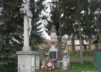 Váraszó világháborús emlékmű 2008.04.22. küldő-kalyhas (7)