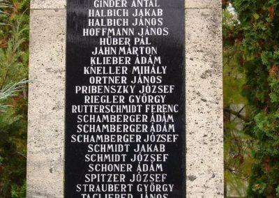 Várdomb világháborús emlékmű 2007.10.22.külő-Horváth Zsolt (2)