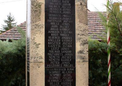 Várdomb világháborús emlékmű 2007.10.22.külő-Horváth Zsolt (5)
