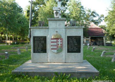 Várfölde II.vh emlékmű és katonasírok 2010.06.29. küldő-Sümec (9)