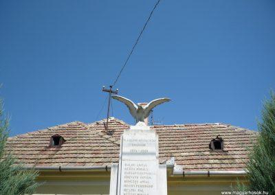 Várkesző világháborús emlékmű 2009.07.24.küldő-Sümec (1)