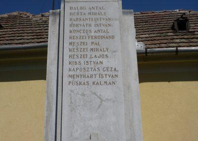 Várkesző világháborús emlékmű 2009.07.24.küldő-Sümec (2)