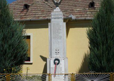 Várkesző világháborús emlékmű 2009.07.24.küldő-Sümec