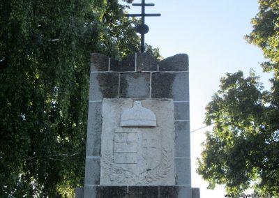 Városlőd világháborús emlékmű 2013.08.17. küldő-kalyhas (1)