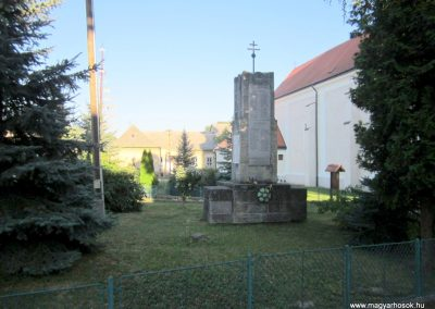 Városlőd világháborús emlékmű 2013.08.17. küldő-kalyhas (11)
