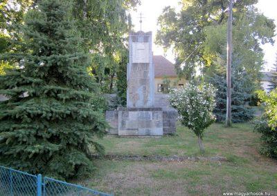 Városlőd világháborús emlékmű 2013.08.17. küldő-kalyhas